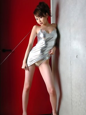 Anri Sugihara Asian shows hot butt and sexy legs under dress
