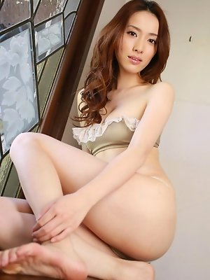 Saki Seto Asian plays revealing or not the boobs game for you